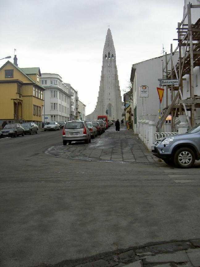 Hallgrimskirkaja, a Reykjavik church inspired by basalt formations (purpose of page is to display an image)
