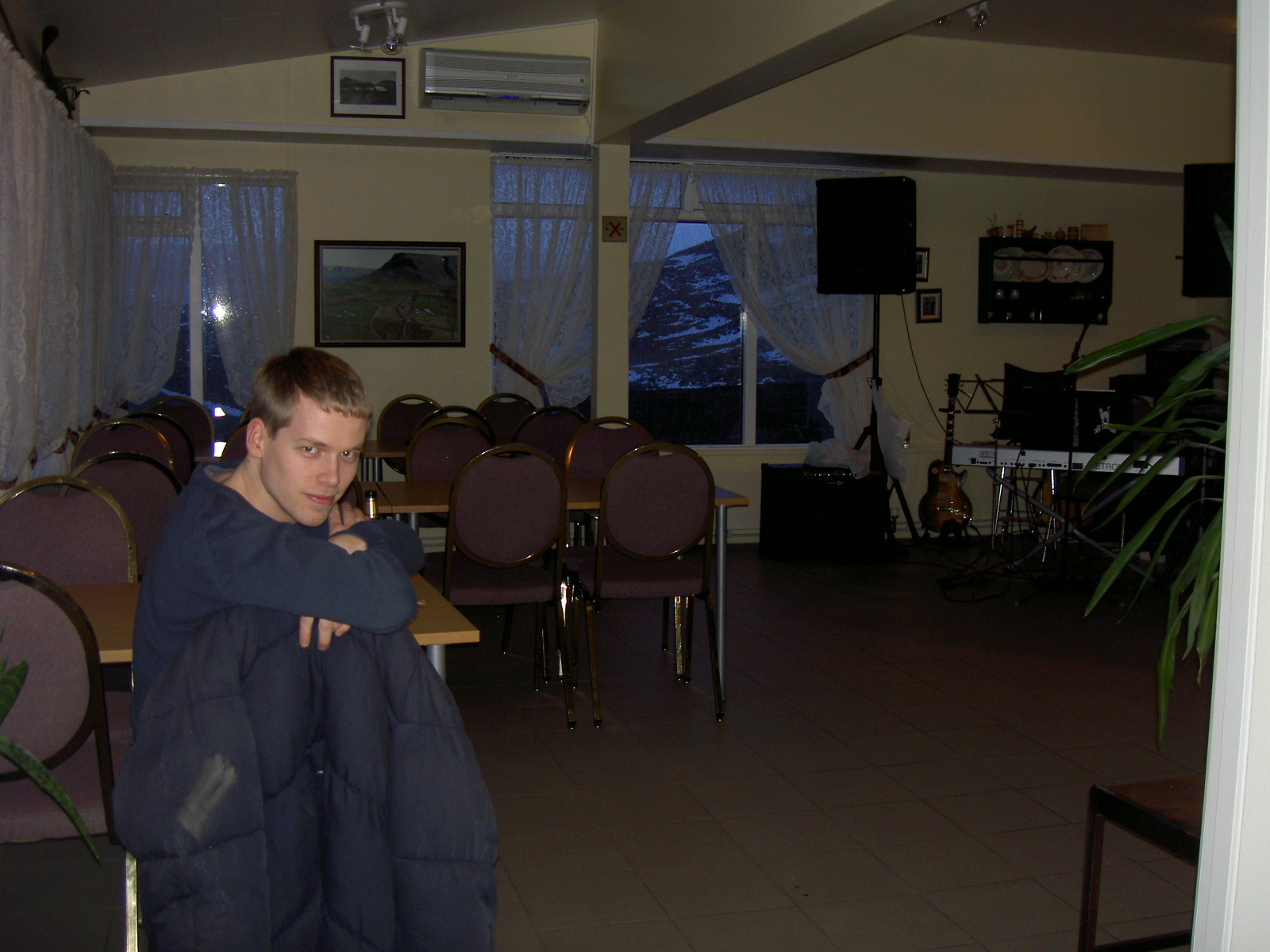 Bastiaan in the only cafe near Thurranes (purpose of page is to display an image)