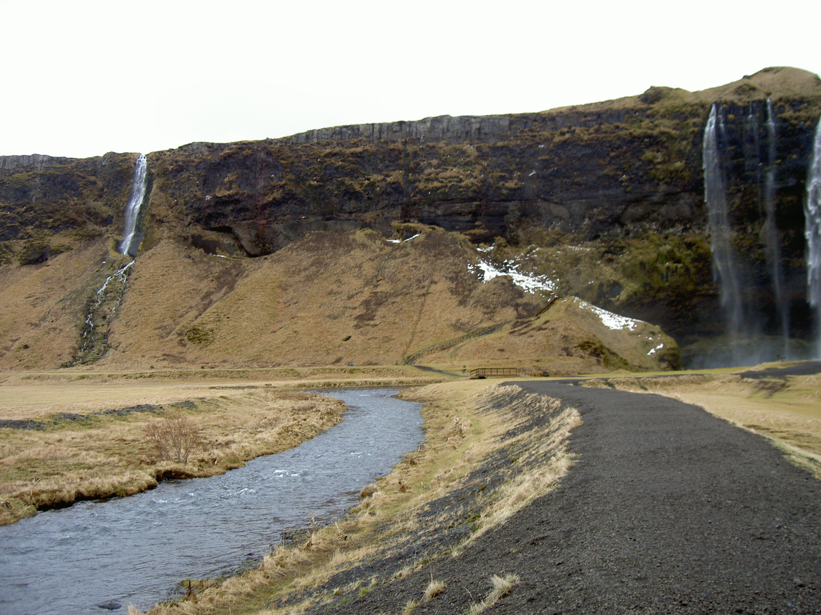 Waterfall on route 1, east of Selfoss (purpose of page is to display an image)